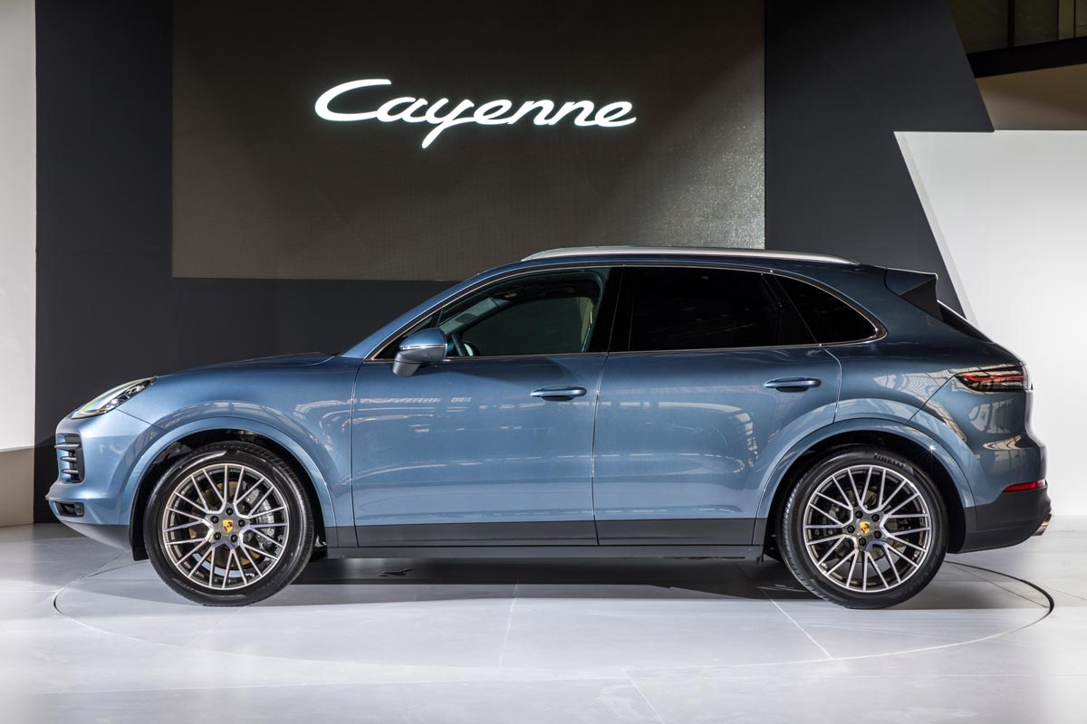 Luxury & Dynamics - The New Porsche Cayenne Conquers The