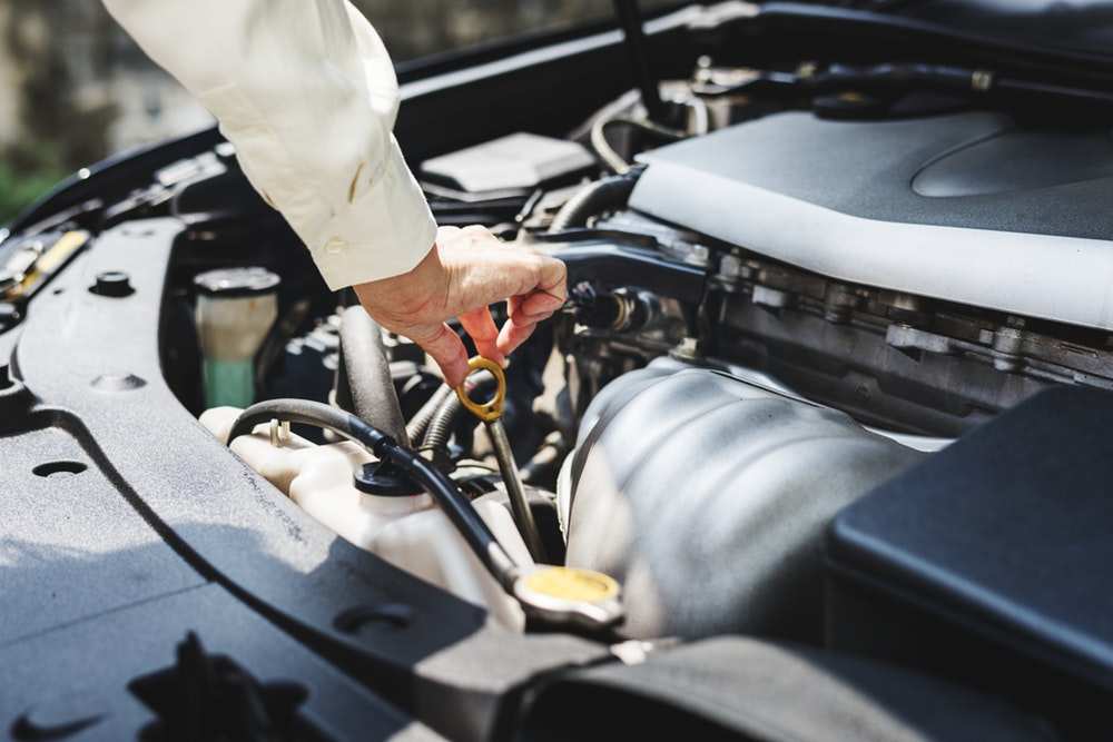 Engine Oil Maintenance Tips by Bosch - Carsome Malaysia