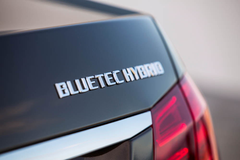 The Mercedes-Benz Hybrid Battery Extended Warranty Adds 4 More Years