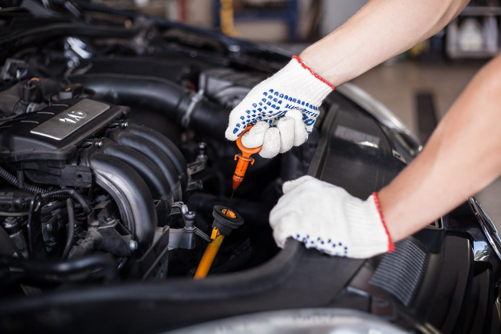 pemeriksaan minyak enjin, minyak hitam atau minyak pelincir