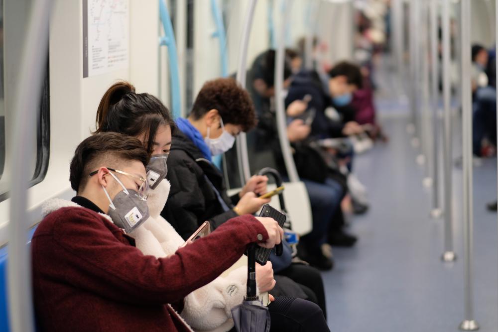 amalan norma baharu | pemakaian pelitup muka di tempat awam