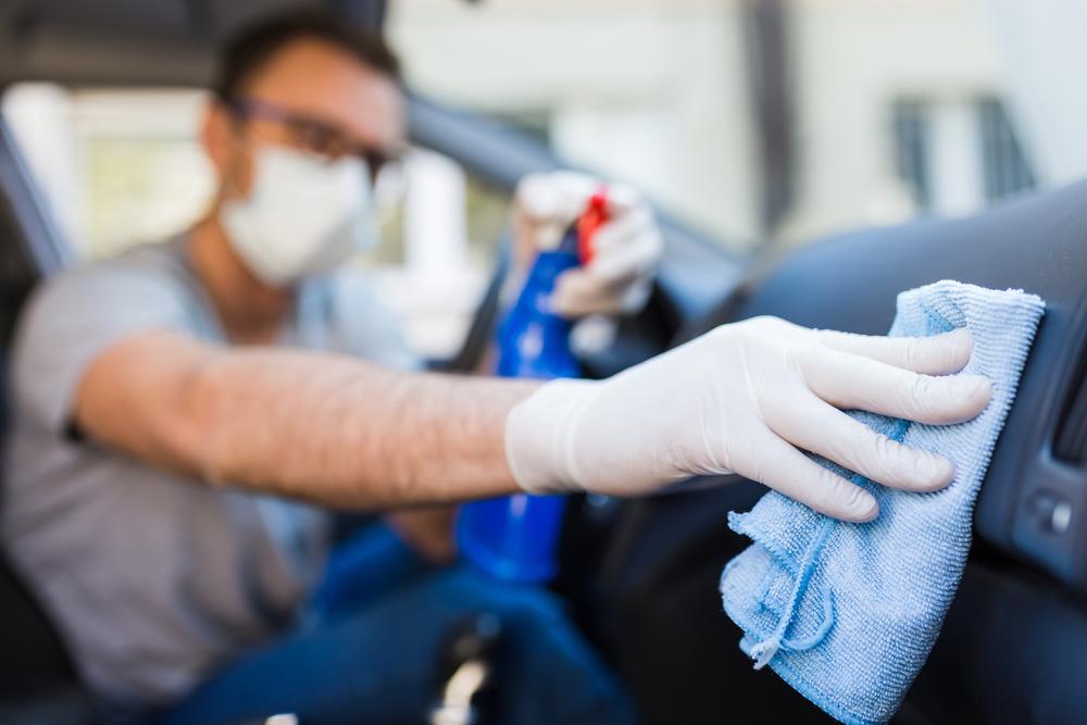 bahan untuk membersihkan bahagian dalaman kereta | corona virus, covid-19