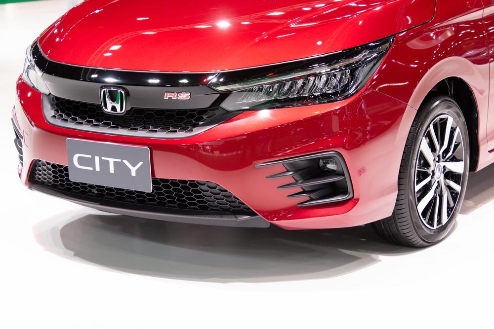 Honda City lwn Perodua Bezza