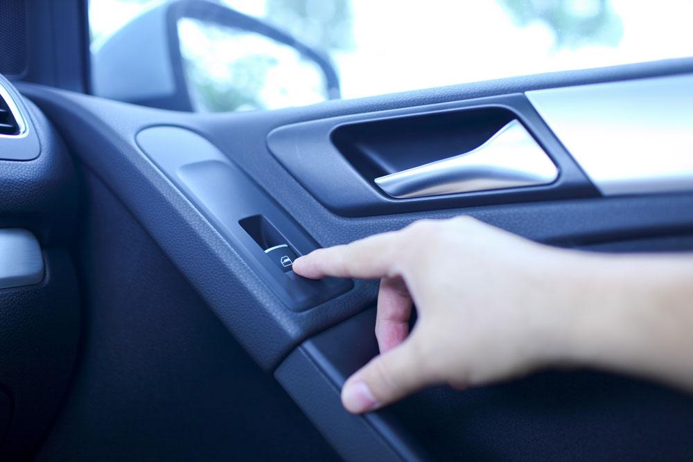 pemeriksaan kenderaan: kawalan tingkap kereta